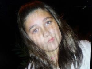 Η 13χρονη Σάρα που πέθανε προχθές από μαγκάλι γιατί δεν είχε ρεύμα το σπίτι της μαμάς της