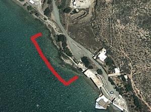 Σε αυτό το τμήμα της θάλασσας βρέθηκε το πτώμα, στον Κριό. Δεξία είναι εμφανής η προβλήτα της περιοχής.